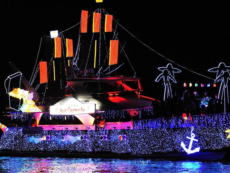 Newport Beach Christmas Lights Cruise.Holiday Lights Cruises Cruise Newport Beach